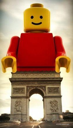 LEGO arc de triumphe
